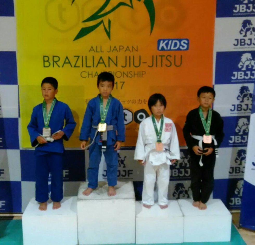 ブラジリアン柔術キッズ全日本選手権|表彰台写真03